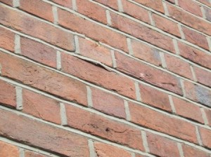 Loose repointing undertaking using cement rich mortar